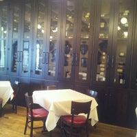 2/27/2013 tarihinde Abraham A.ziyaretçi tarafından Coquette Brasserie'de çekilen fotoğraf
