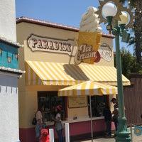 Photo taken at Paradise Pier Ice Cream Co. by Jeffrey B. on 4/15/2017