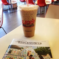 Photo taken at Lee's Sandwiches by Giuseppe M. on 9/7/2014