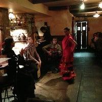 Foto tomada en Nai Tapas Bar por Elena S. el 6/21/2013