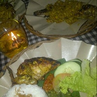 Photo taken at Bali Qui by Muhammad Arya N. on 3/17/2013
