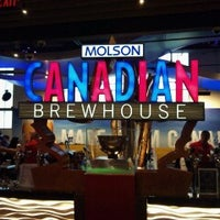 Photo taken at Molson Canadian Brewhouse by Benny H. on 1/13/2013