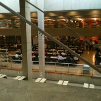 Photo taken at Biblioteca FES Acatlán by Viridiana P. on 11/14/2012
