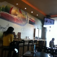 รูปภาพถ่ายที่ La Sevillana Gourmet Café โดย José M. เมื่อ 3/4/2013