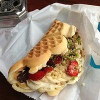 3/21/2013 tarihinde Çiğdem S.ziyaretçi tarafından Waffle Corner'de çekilen fotoğraf