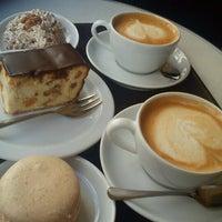 Снимок сделан в Світ кави / World of Coffee пользователем Paulina C. 9/28/2012