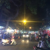 Foto tomada en Hàng Mã por PHI H. el 12/7/2015