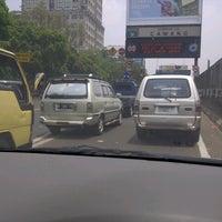 รูปภาพถ่ายที่ Menara MTH โดย Jo J. เมื่อ 9/14/2012
