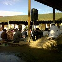 Photo taken at Kantor Samsat Kutim by Wahyu K. on 8/7/2013