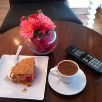 Photo taken at Art Cafe by Isil B. on 12/9/2014
