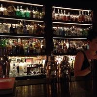 Das Foto wurde bei Scarfes Bar von Jake V. am 1/27/2014 aufgenommen
