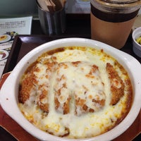 Photo taken at 동경하야시라이스클럽(현대백화점 중동점) by Miran M. on 8/28/2014
