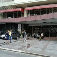 Foto tirada no(a) Nikkey Palace Hotel por Celi T. em 5/17/2013