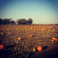 Photo taken at Curtis Orchard & Pumpkin Patch by Brandon C. on 10/21/2012