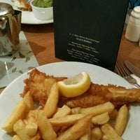 Photo taken at Drakes Fish & Chips by Cem Hg1 on 2/29/2016