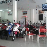 Photo taken at Yamaha Mataram Sakti by cahyo n d. on 5/8/2013