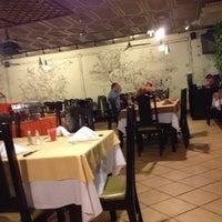 Photo taken at Del Tingo al Tango by Mynor L. on 1/28/2013