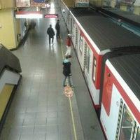 Foto tomada en Metro República por Cristobal C. el 9/28/2012