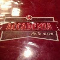 Foto tomada en Accademia Della Pizza por Dani F. el 9/28/2013