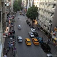6/21/2013 tarihinde Hatice K.ziyaretçi tarafından Tunalı Hilmi Caddesi'de çekilen fotoğraf
