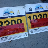 Photo taken at Dana Point Turkey Trot by Claire L. on 11/21/2012