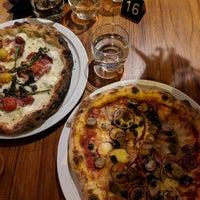 Photo prise au Daddy Greens Pizzabar par Hannu 👐🏿 L. le11/25/2017