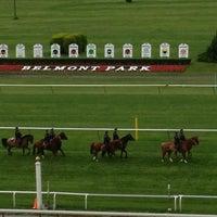 Das Foto wurde bei Belmont Park Racetrack von Susan N. am 6/8/2013 aufgenommen