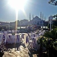 6/22/2013 tarihinde Nilufer A.ziyaretçi tarafından Armada Sultanahmet Hotel'de çekilen fotoğraf