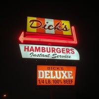 Foto tomada en Dick's Drive-In por Ben S. el 2/1/2013