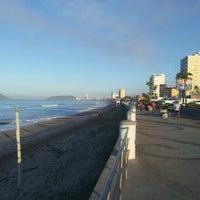 Foto tomada en Malecón por Abraham O. el 10/19/2012