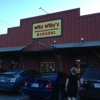 Foto tomada en Wild Willy's Burgers por Mae 🌸🌺 B. el 7/4/2013