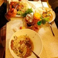 Das Foto wurde bei NOODELI - Pasta Take Away von Dmitri S. am 10/4/2012 aufgenommen