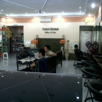 Photo taken at Trend Global Salon & Spa by Eva L. on 10/1/2012
