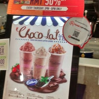 Photo taken at Chatime by West D. on 5/13/2014