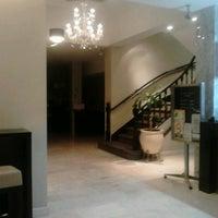 Das Foto wurde bei Hotel Napoleón von Cláudia B. am 4/21/2014 aufgenommen