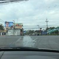 Photo taken at แยกสะเดียง (Sa Teang Intersection) by Tuinui L. on 1/10/2017