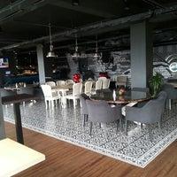 5/7/2013 tarihinde SAVAŞAN F.ziyaretçi tarafından Mint Restaurant & Bar'de çekilen fotoğraf