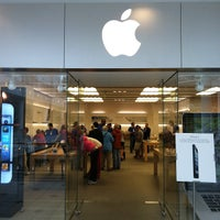 Photo taken at Apple Pentagon City by Dave H. on 10/2/2012