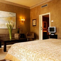 Foto tomada en Hotel Duquesa de Cardona por Hotel Duquesa de Cardona el 10/31/2012