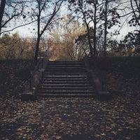 Foto tirada no(a) Остановка Калибровская Ул. por Vanessa G. em 10/10/2014