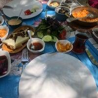 Foto diambil di Noni's House oleh Süleyman A. pada 7/12/2018