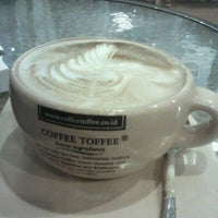 Photo taken at Coffee Toffee by Nuril M. on 10/28/2012
