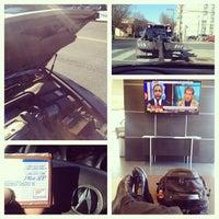 Photo prise au Chevy Chase Acura par Cornbread H. le12/12/2013