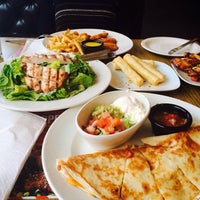 Photo taken at TGI Fridays by  Makis V. on 3/8/2014