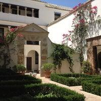 Foto scattata a Las Casas De La Juderia Hotel Cordoba da Liliane G. il 7/22/2013