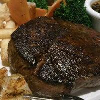 4/12/2013にTakayoshi S.がOutback Steakhouse 池袋店で撮った写真