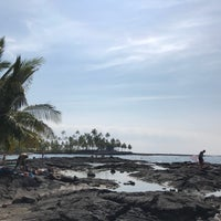 Photo taken at Hōnaunau Bay Puʻuhonua Pt. by Takayoshi S. on 11/11/2017