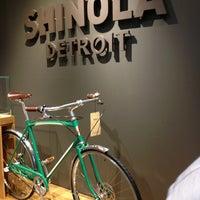 Das Foto wurde bei Shinola Store Detroit von Kaileen am 6/27/2013 aufgenommen