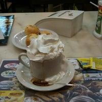 Foto tirada no(a) Café Cremoso por Marcia S. em 10/8/2013