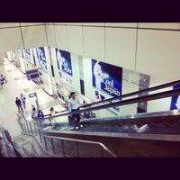 Photo taken at Dhoby Ghaut MRT Interchange (CC1/NE6/NS24) by Tabezaru さ. on 9/21/2012